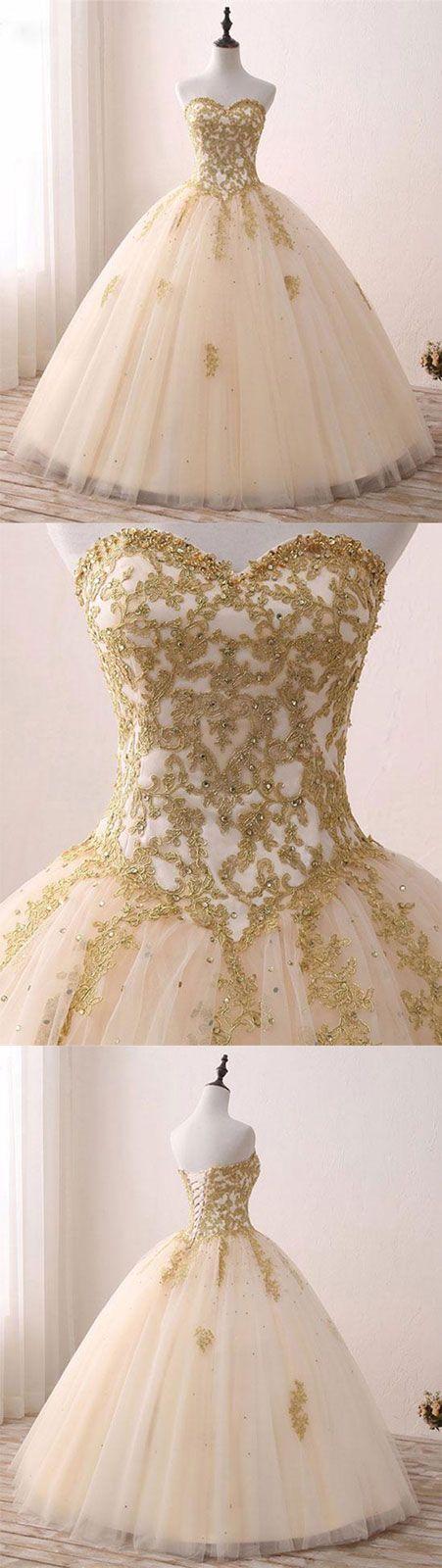 Vestido que parece blanco y dorado