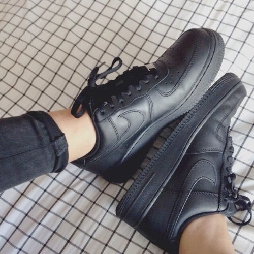 nike air force 1 low black tumblr picture