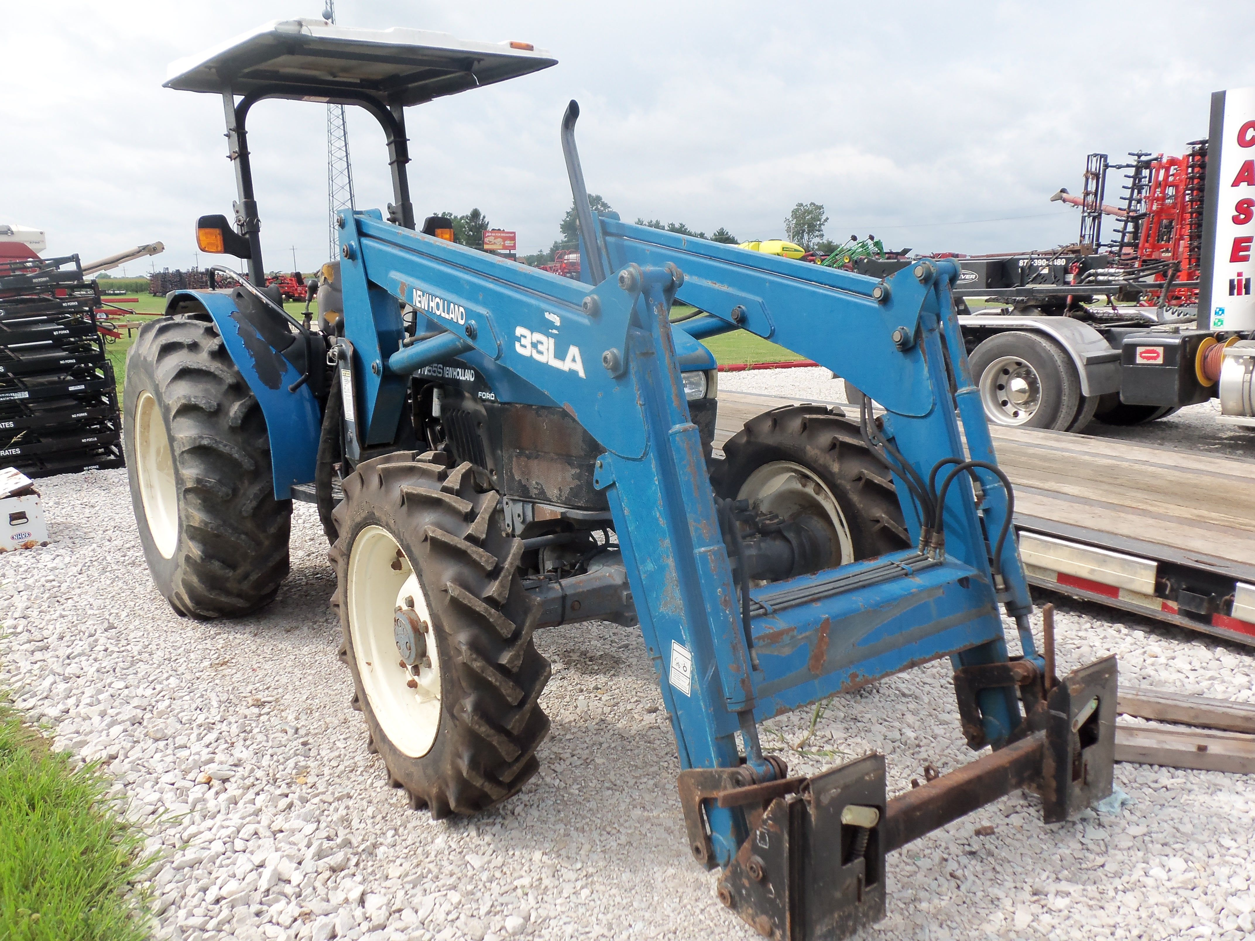 New Holland Tn55s Equipped With 33la Loader New Holland Tractor
