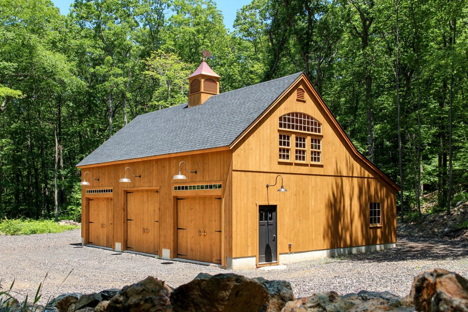 3 Overhead Doors on this 32x40 Carriage Barn Garage – 32X40 Garage Plans