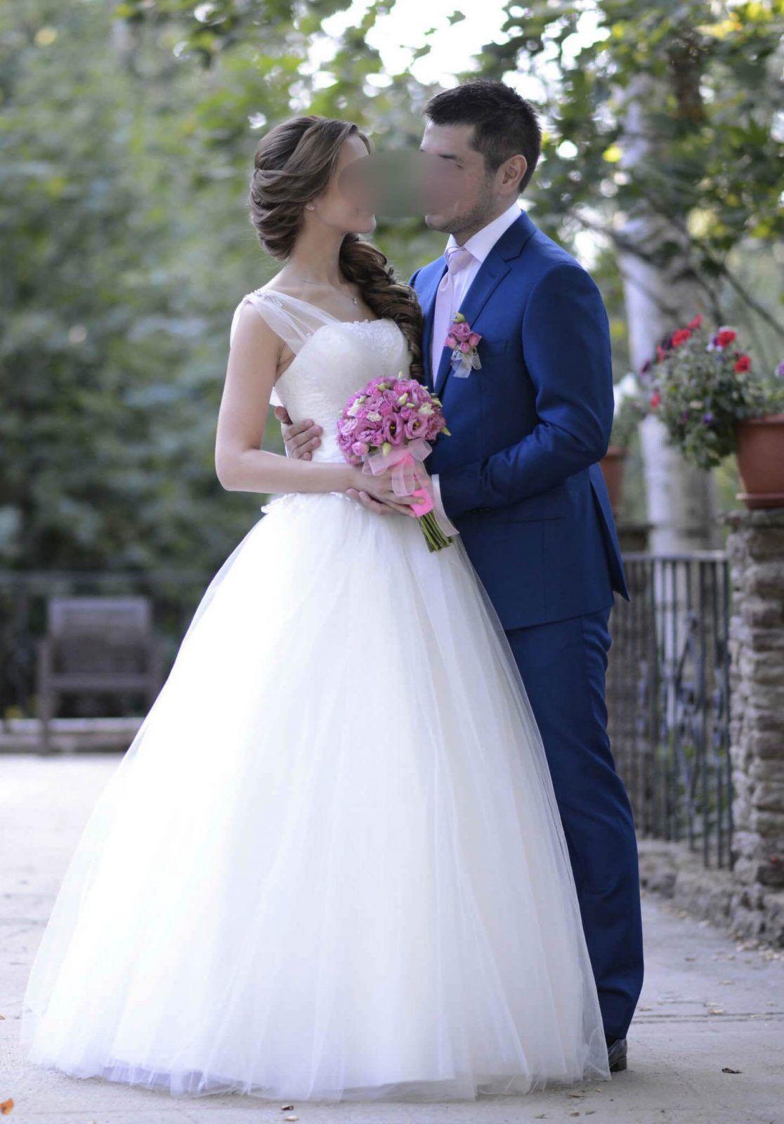 White strapless ball gown wedding dress us size wedding