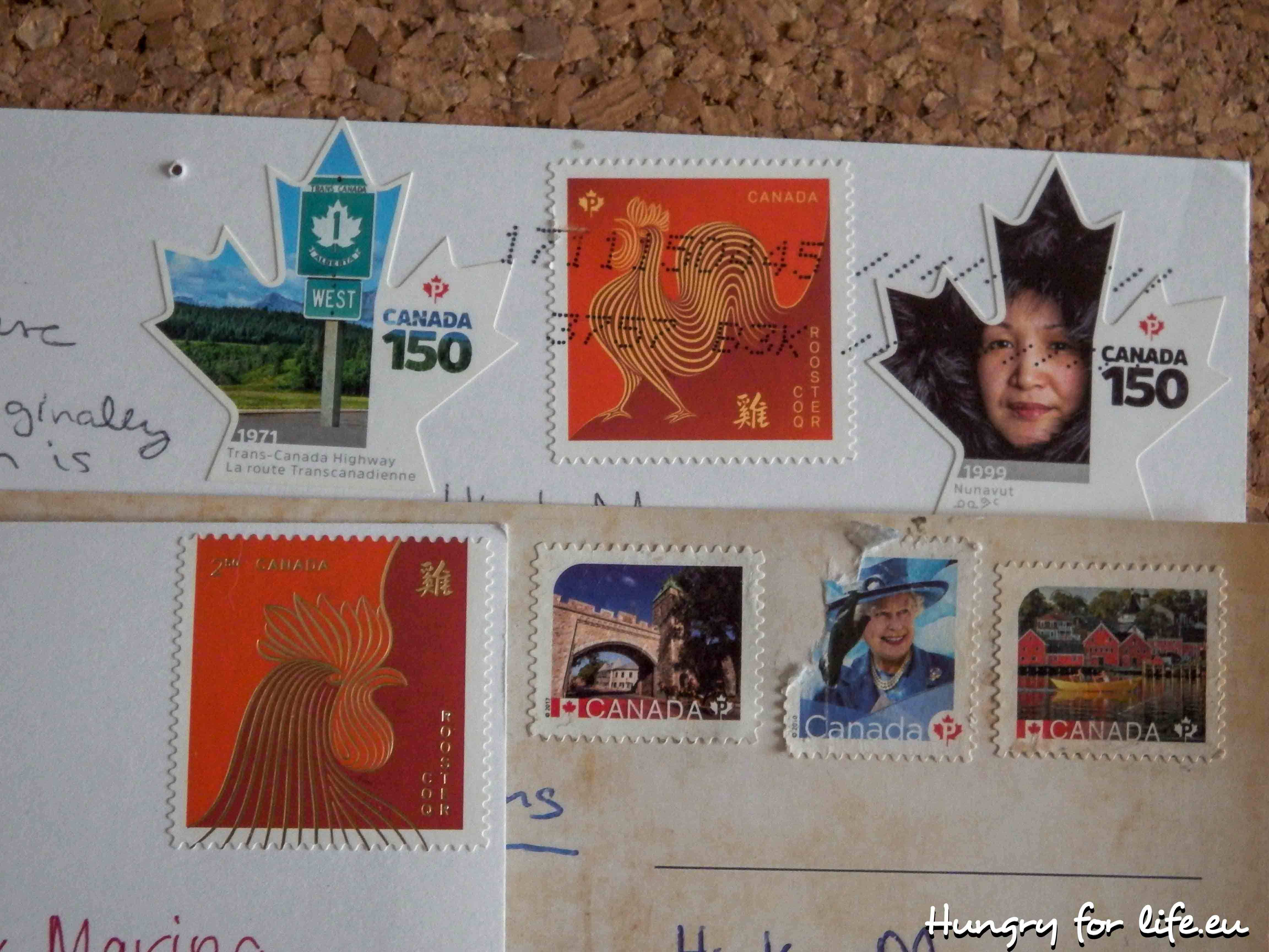 Почтовые открытки послали своим друзьям школьники из разных стран, днем рождения