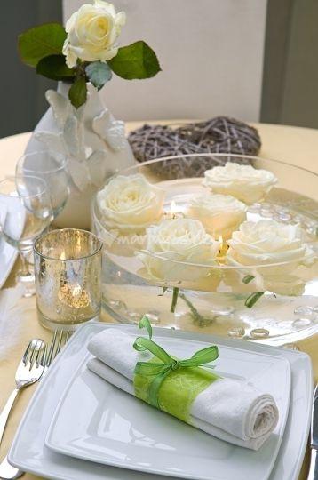 32 Id Es De Centres De Table Avec Fleurs Mariage Wedding And Table Settings