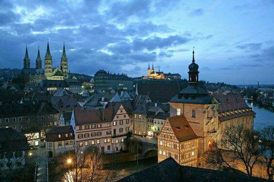 Bamberg Bei Nacht Reisen Deutschland Urlaubsziele In Deutschland Bamberg