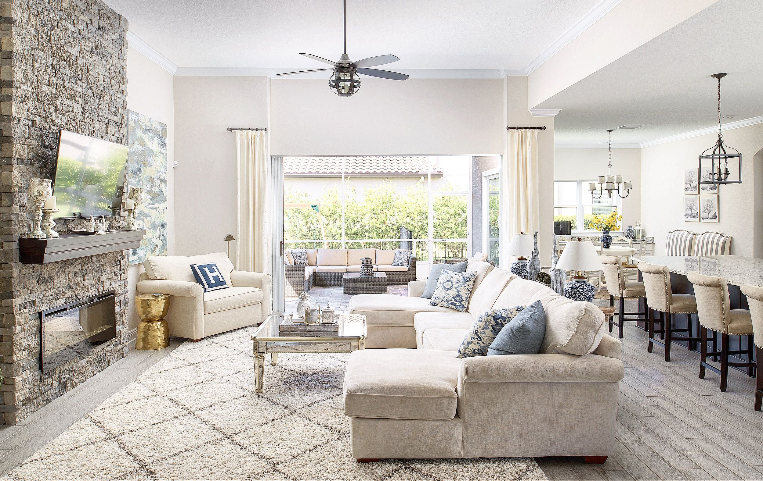 23+ Living room floor plan with sectional info