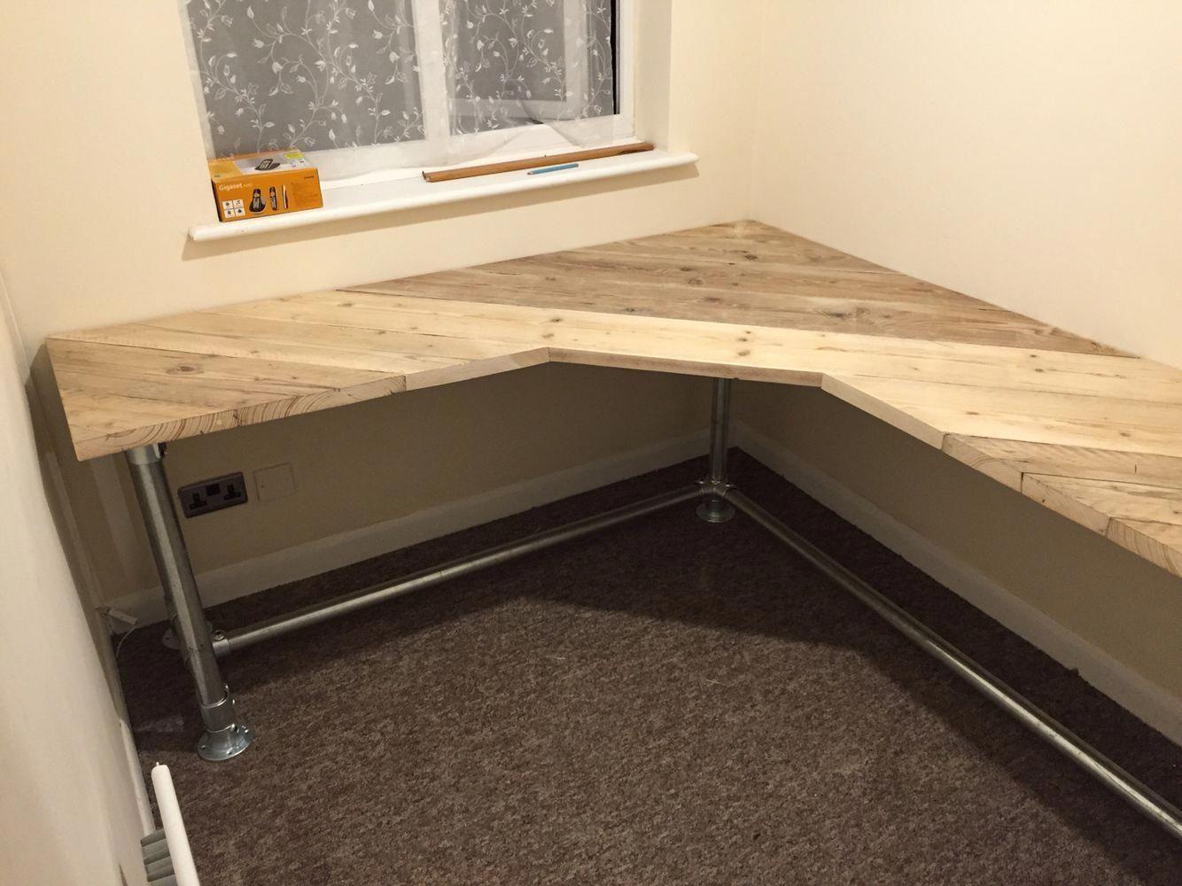Simple desk Bedroomdesk in 2020 Craft room desk, Home