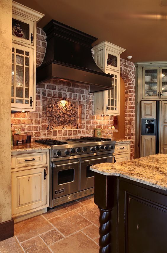 Country Kitchen With Accent Brick Backsplash Rustic Kitchen Rustic Kitchen Cabinets Farmhouse Kitchen Backsplash