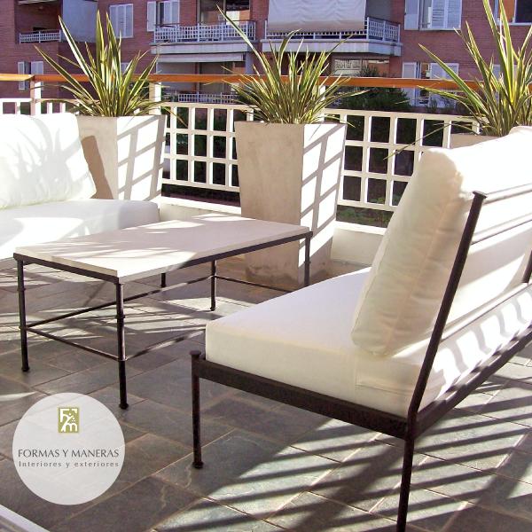 Sillones y mesa hierro con tapa de cemento muebles de for Sillones de exterior