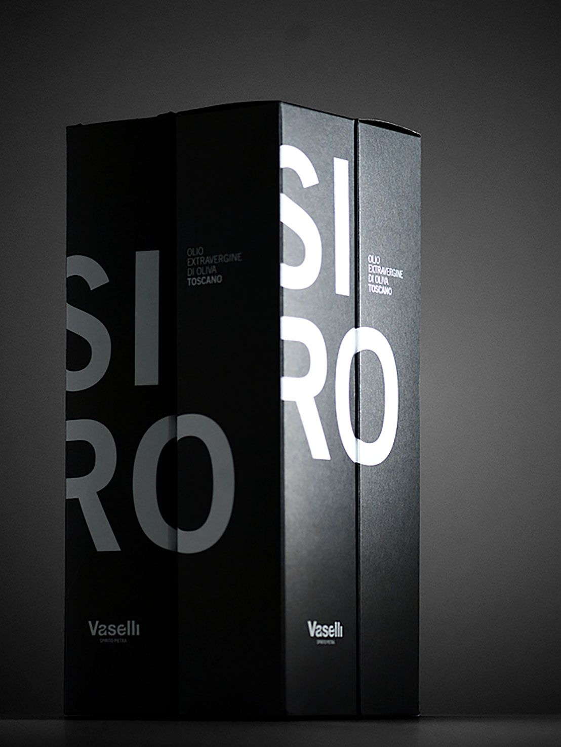 """The beautiful packaging by Zup for our """"SIRO"""" tuscan olive oil."""