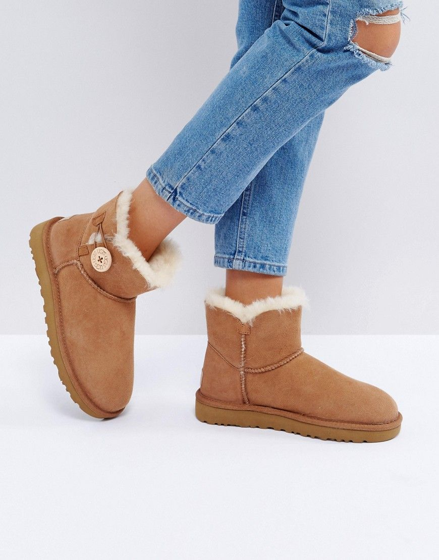 UGG MINI BAILEY BUTTON II CHESTNUT BOOTS - TAN. #ugg #shoes #