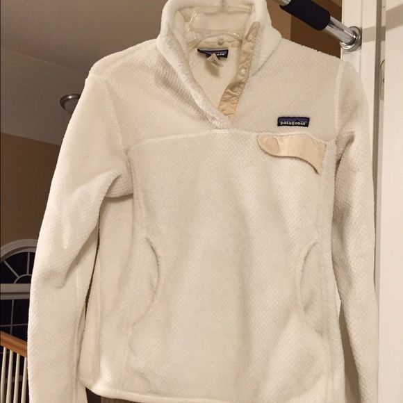 Women's Patagonia size small Off white Patagonia Jackets & Coats