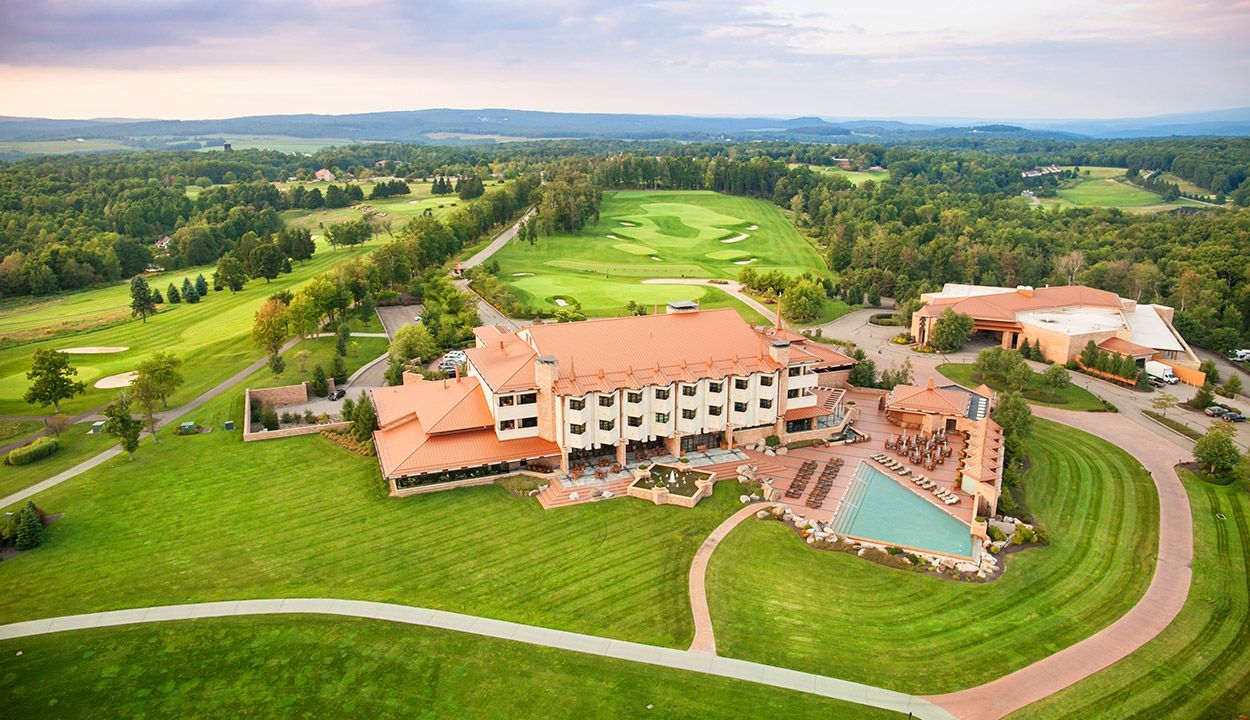 Pennsylvania Resorts Nemacolin Woodlands Resort Pennsylvania Luxury Resorts Beautiful Places To Travel Resort Woodlands