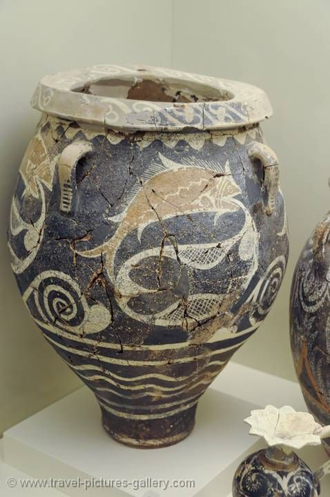 Minoan pottery, Archeological Museum