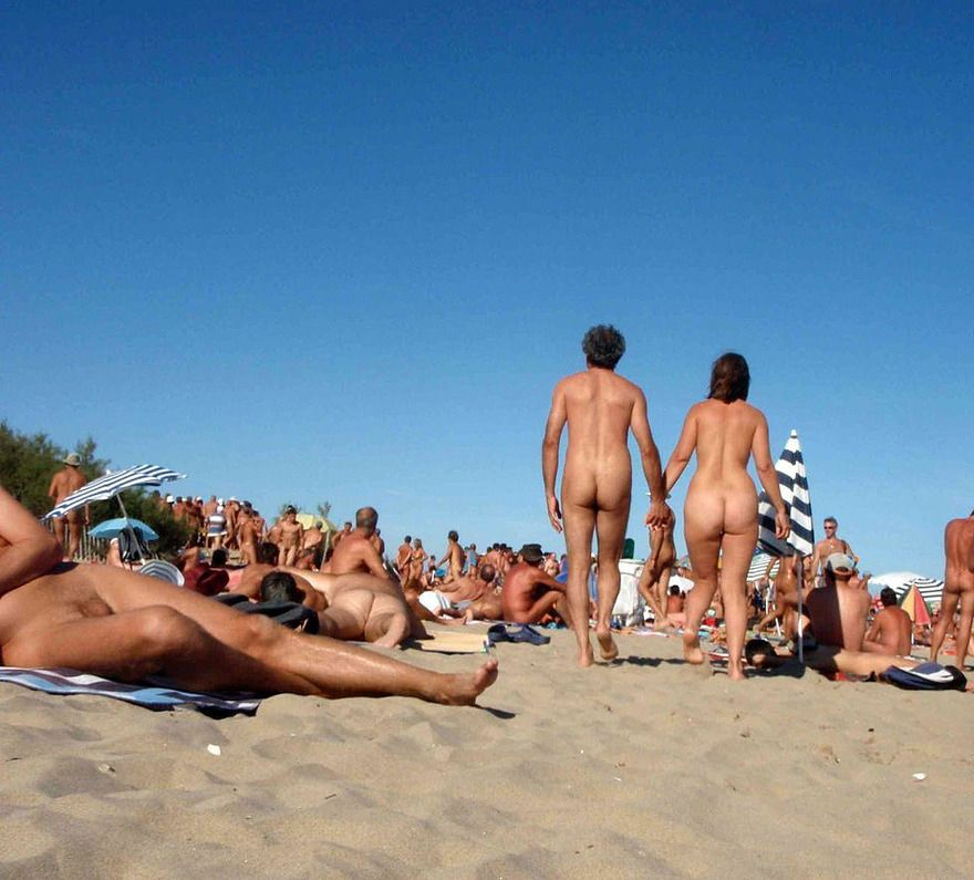 Nude Beaches Are Just So Much More Interesting Once Everyone Is Nude No One