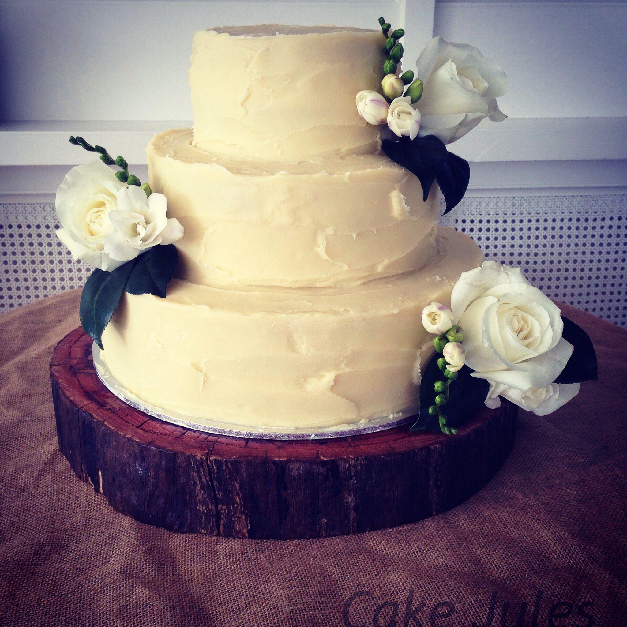 cakejules #weddingcake #weddings #cake rustic wedding cake Red ...