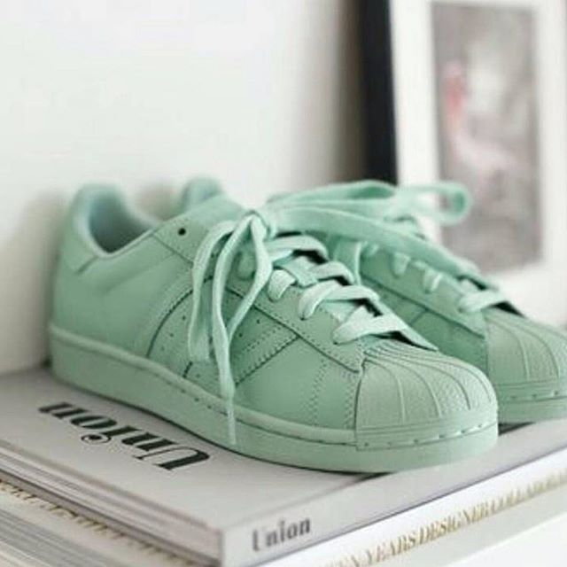 Sneakers Superstar mujer Adidas Superstar Sneakers via @ohkworld | sneakers 15fb3c