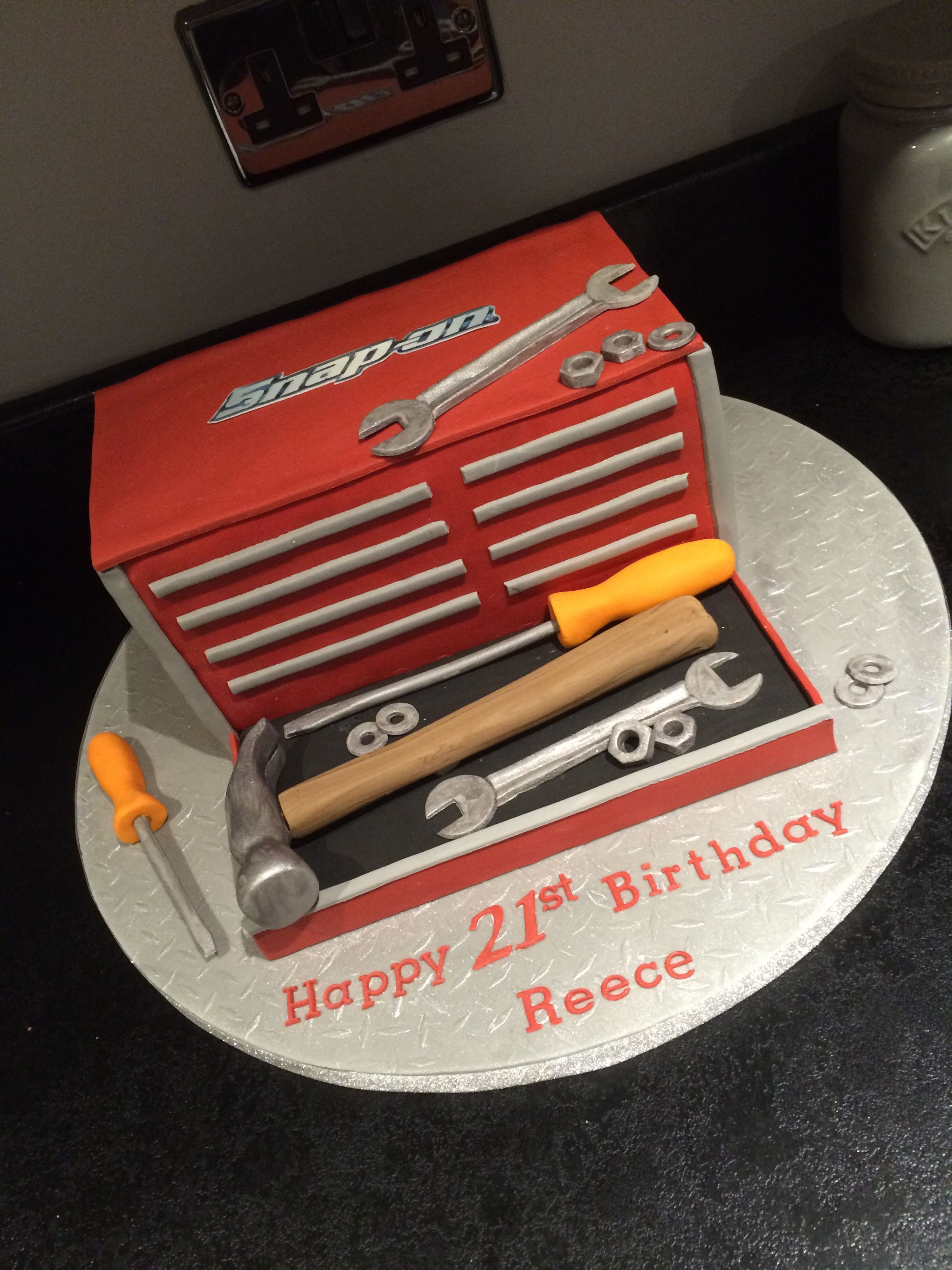 Snap On Tool Box Cake Fondant In 2019 Tool Box Cake