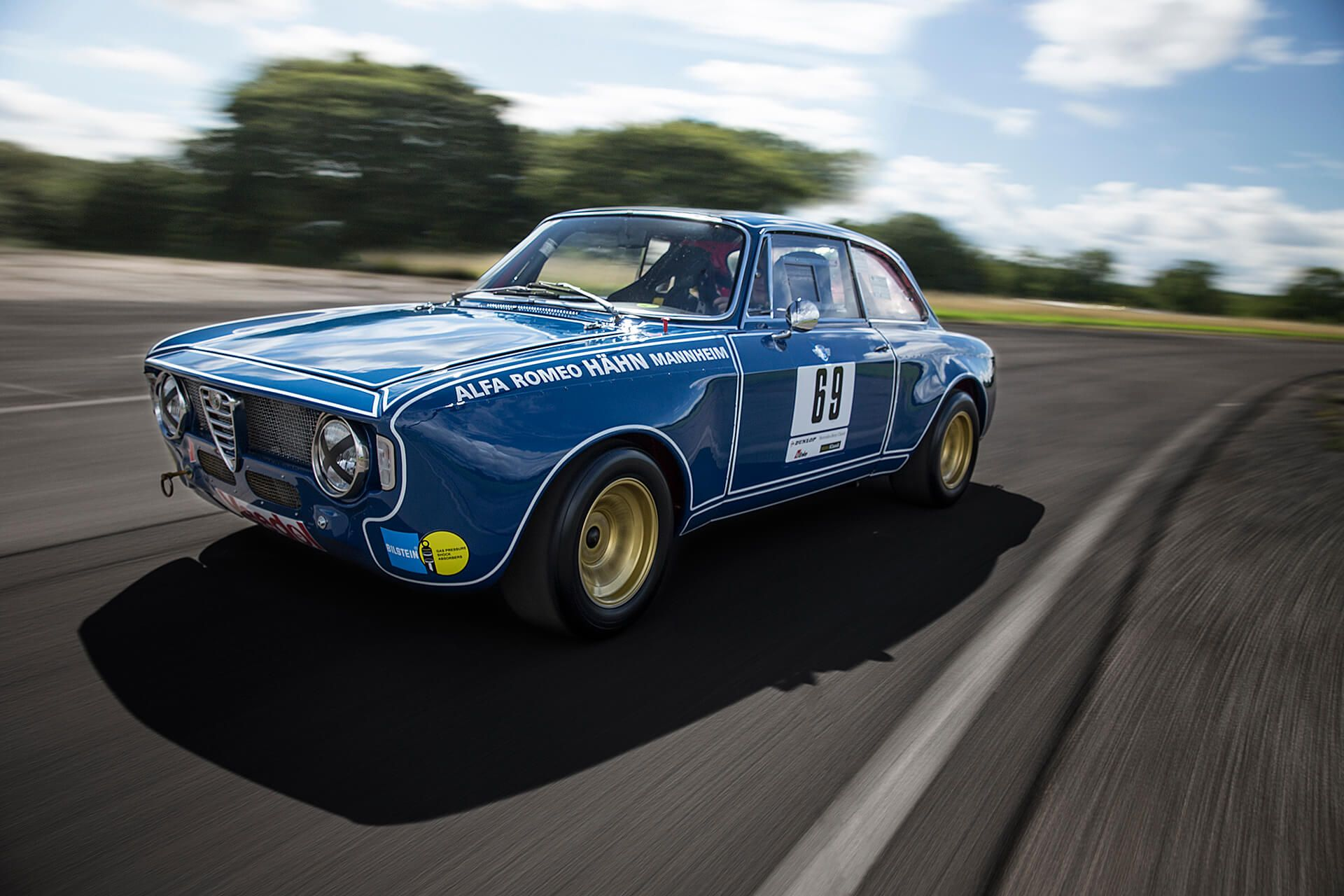 This Italian Alfa Romeo Giulia Sprint GTA Is A Gentlemans Racer