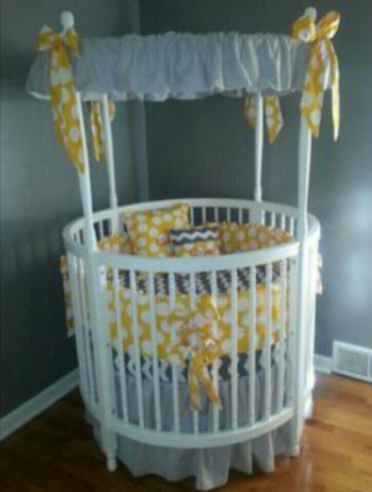 Round Crib With Unisex Color Scheme Very Cute And Perfect For