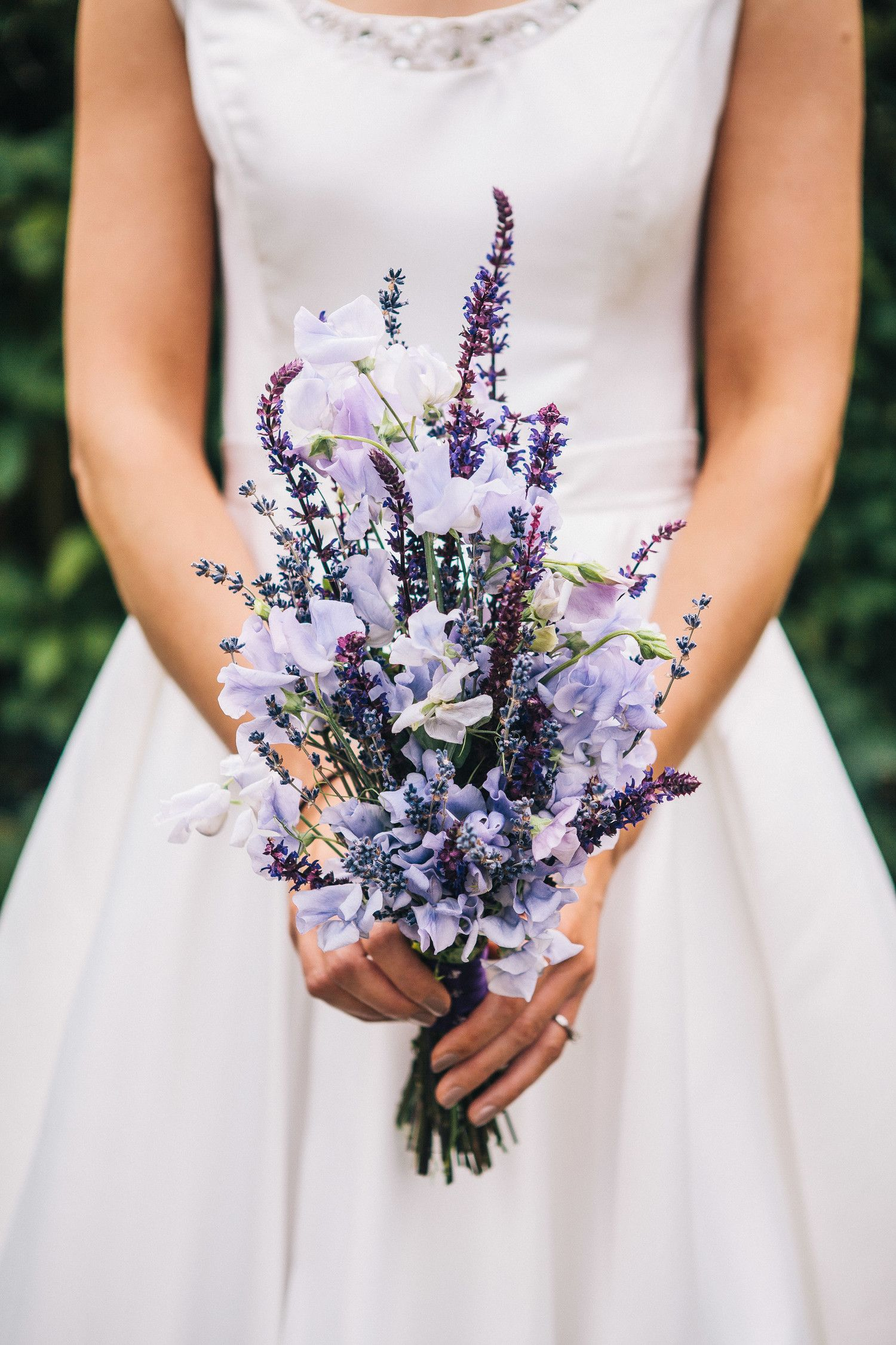 25 Beautiful Purple Wedding Bouquets We Love is part of Lavender wedding bouquet - Consider this unexpected hue for your bigday arrangement