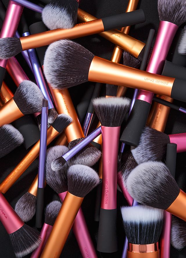 c25053765ad We consider this a beautiful mess, don't you agree?   Brush Art   Real  techniques makeup brushes, Black makeup brush set, Makeup
