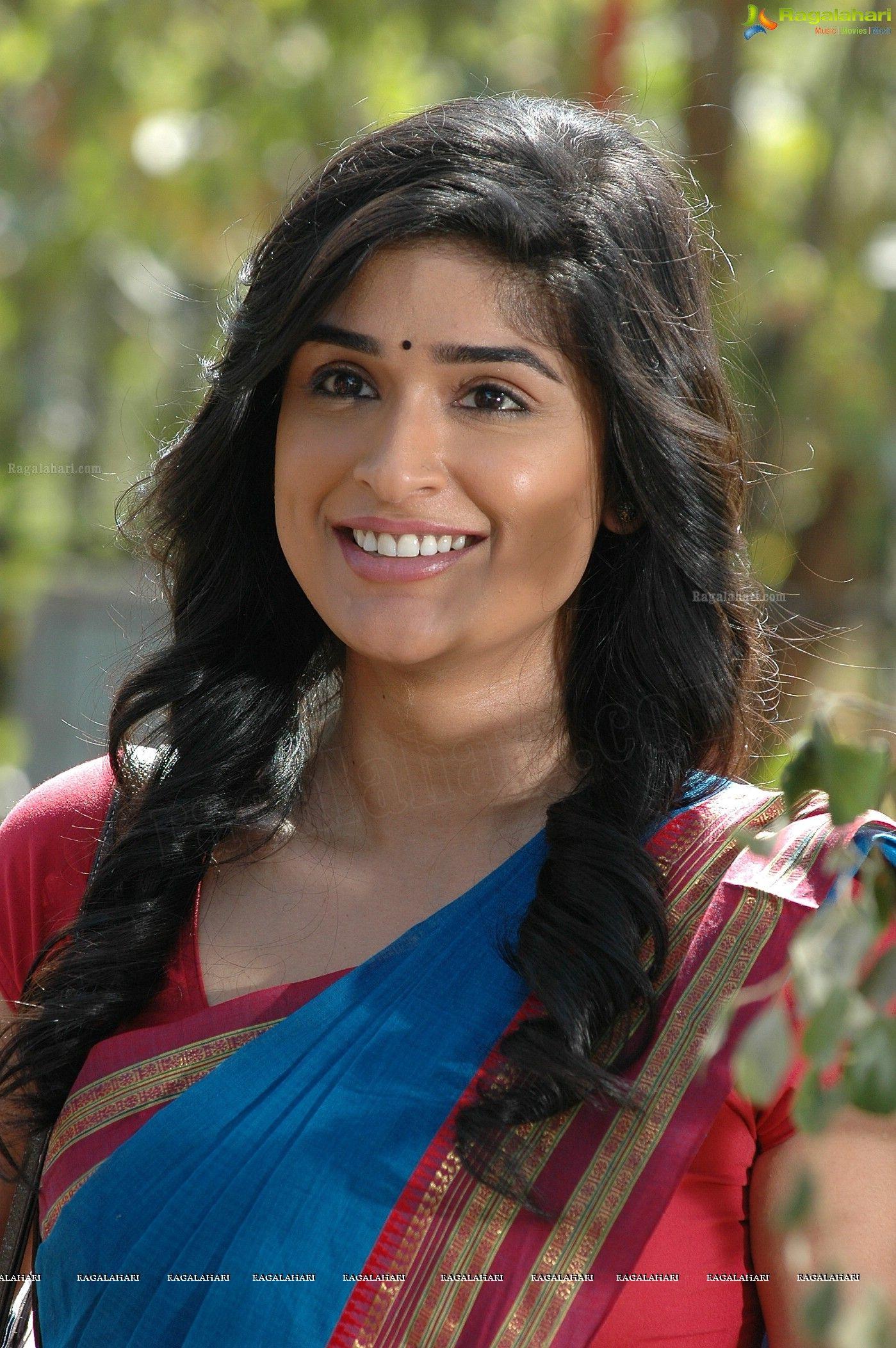 Telugu heroines photo 76