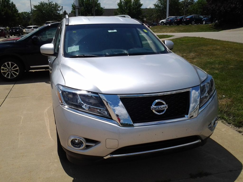 2014 Nissan Pathfinder In Brilliant Silver Np14600 With Images