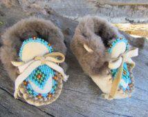 84d6d58fed2c2 Baby Moccasins By Desi, Sheepskin fur, Deerskin Leather, Beaded, 3-9 ...