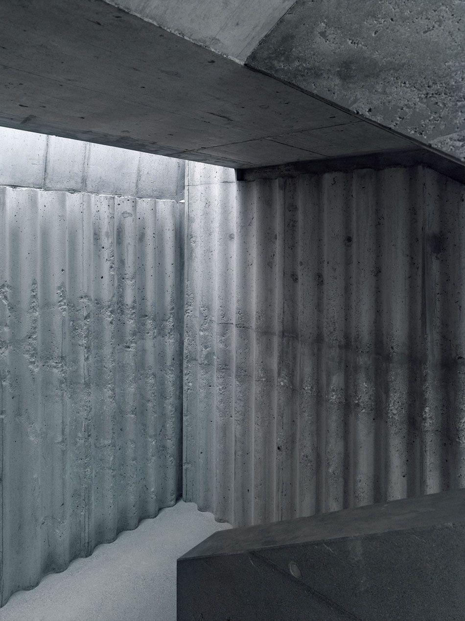 Bunq Architectes Clads Multipurpose Building In Polycarbonate Concrete Interiors Concrete Architecture Exposed Concrete