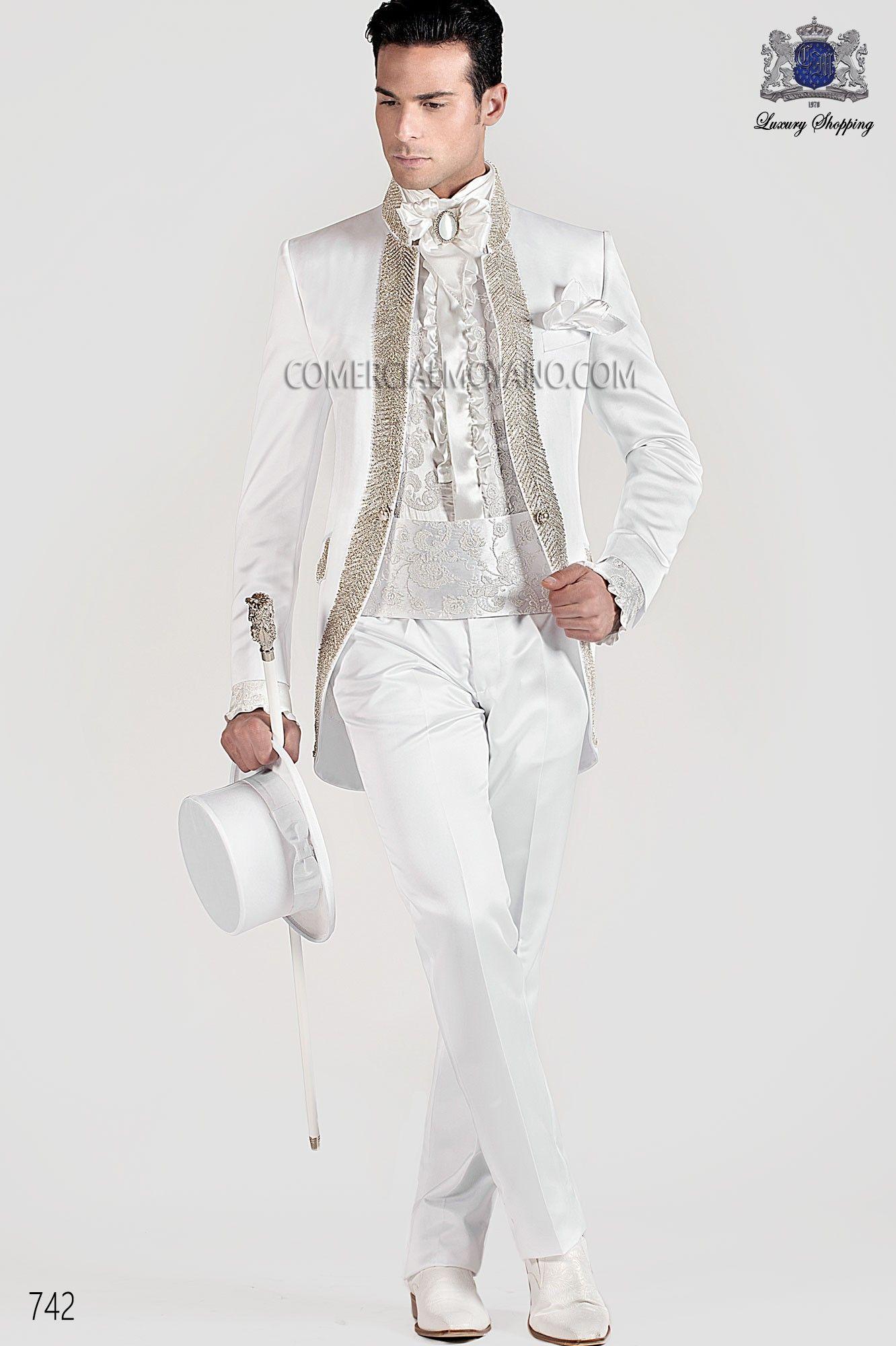 4c650d4979 Traje de novio semilevita de raso blanco con cuello Mao