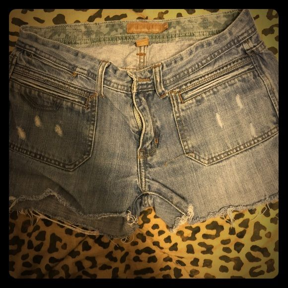 Abercrombie and Fitch jean cutoffs vintage Awesome shorts my favorite just outgrown them ! Cute pockets on front missing a button on back pocket Abercrombie & Fitch Shorts Jean Shorts