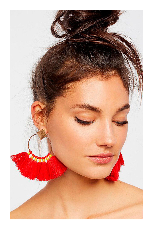 ce683c7dce15 Aretes que van con la forma de tu rostro  TiZKKAmoda  rostro  accesorios   aretes  rojos  fashion  look  earrings  red