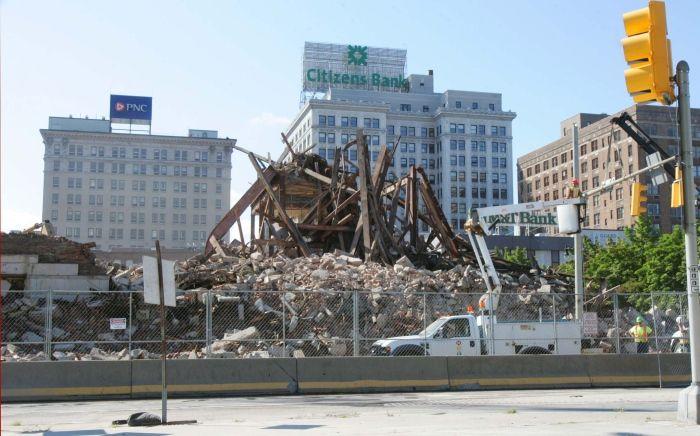 Last Section Of Hotel Sterling Demolished Nanticoke Hotel