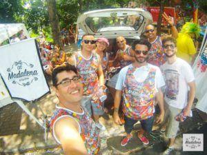 Bloco Os Madalena celebra a ressaca do Carnaval do bairro