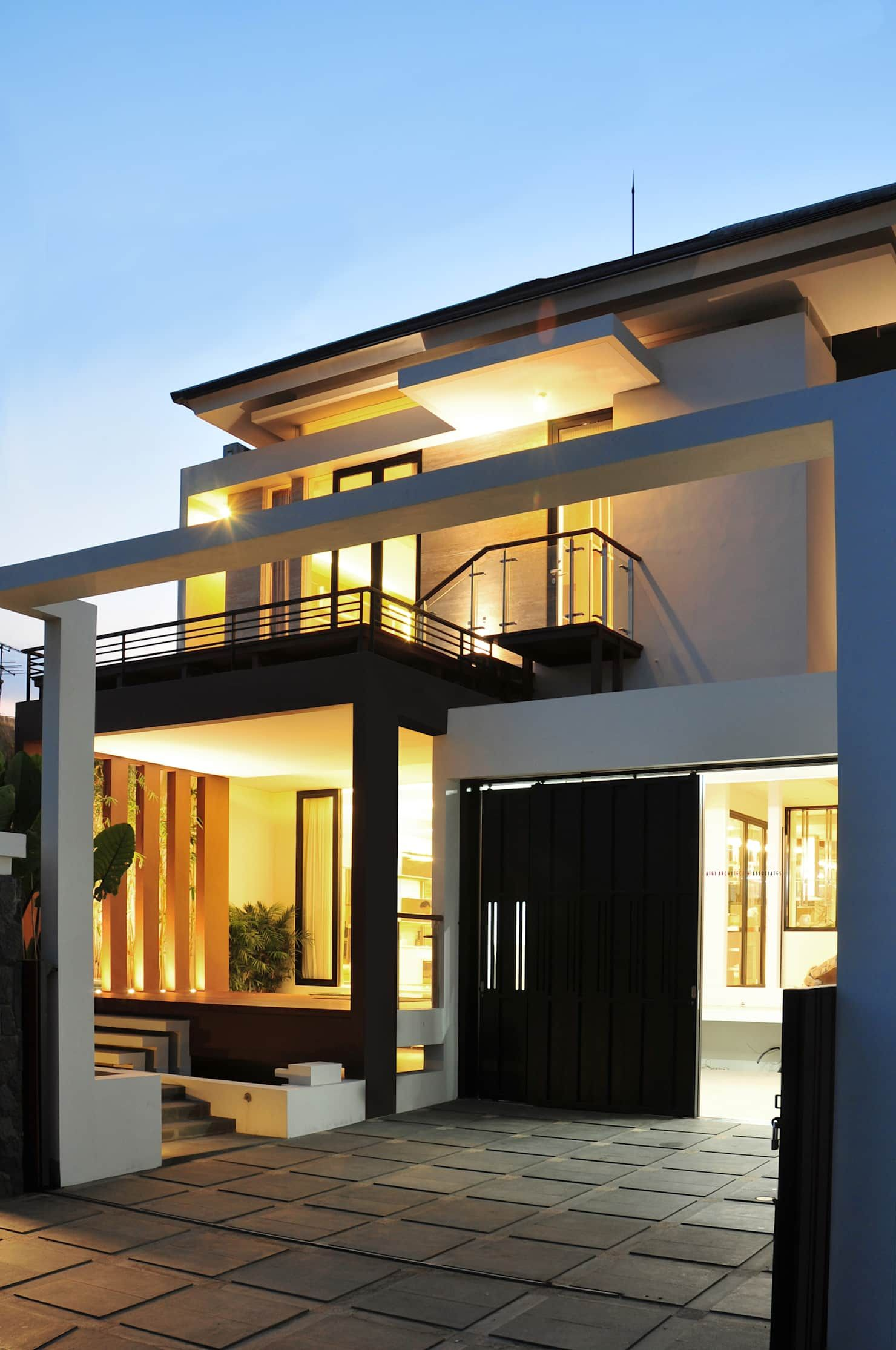 Model Denah Rumah Mewah Tropis 2 Lantai | Denahose