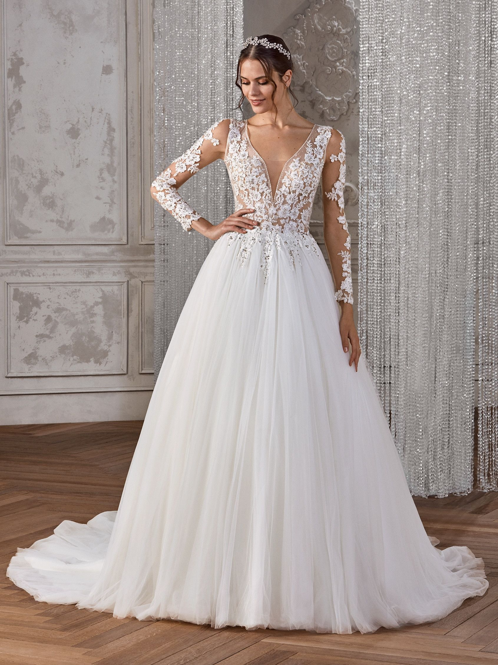 Wedding Dress Boutiques With Long Gown For Wedding