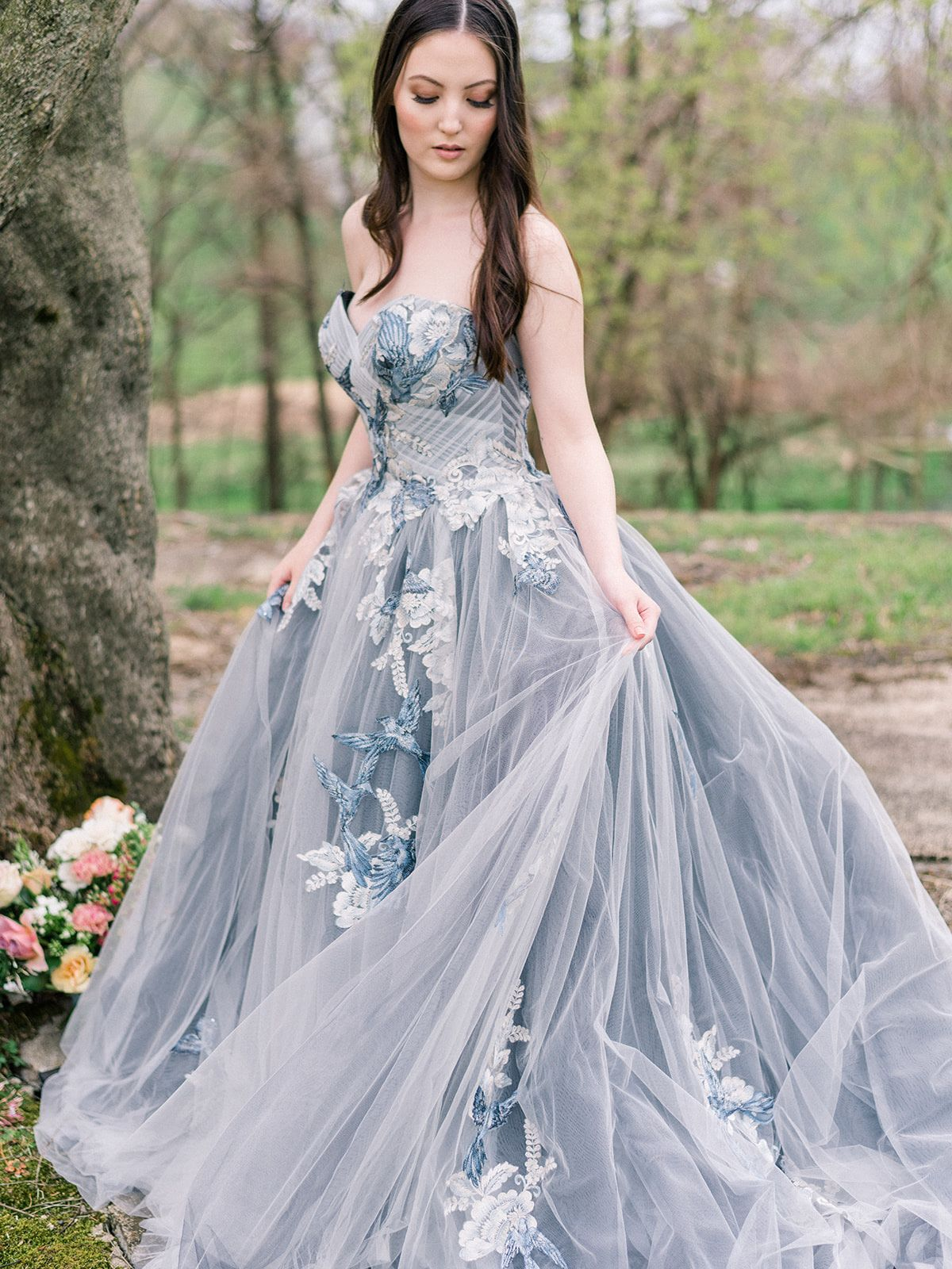 This Blue Ballgown Wedding Dress Is Giving Us Major Princess Vibes Colored Wedding Dresses Colored Wedding Gowns Ball Gown Wedding Dress [ 1600 x 1200 Pixel ]