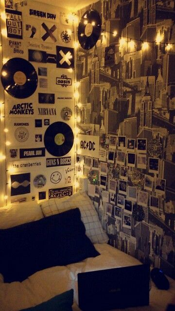 Tumblr grunge room decoration #tumblr #grunge #room #polaroids #bands #collegedormroomideas