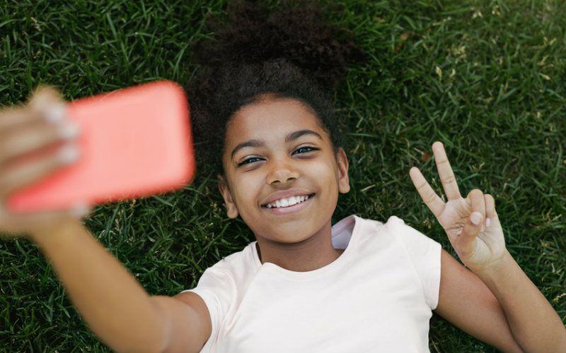 Handy-Regeln für Kinder: Was hilft, wenn das erste