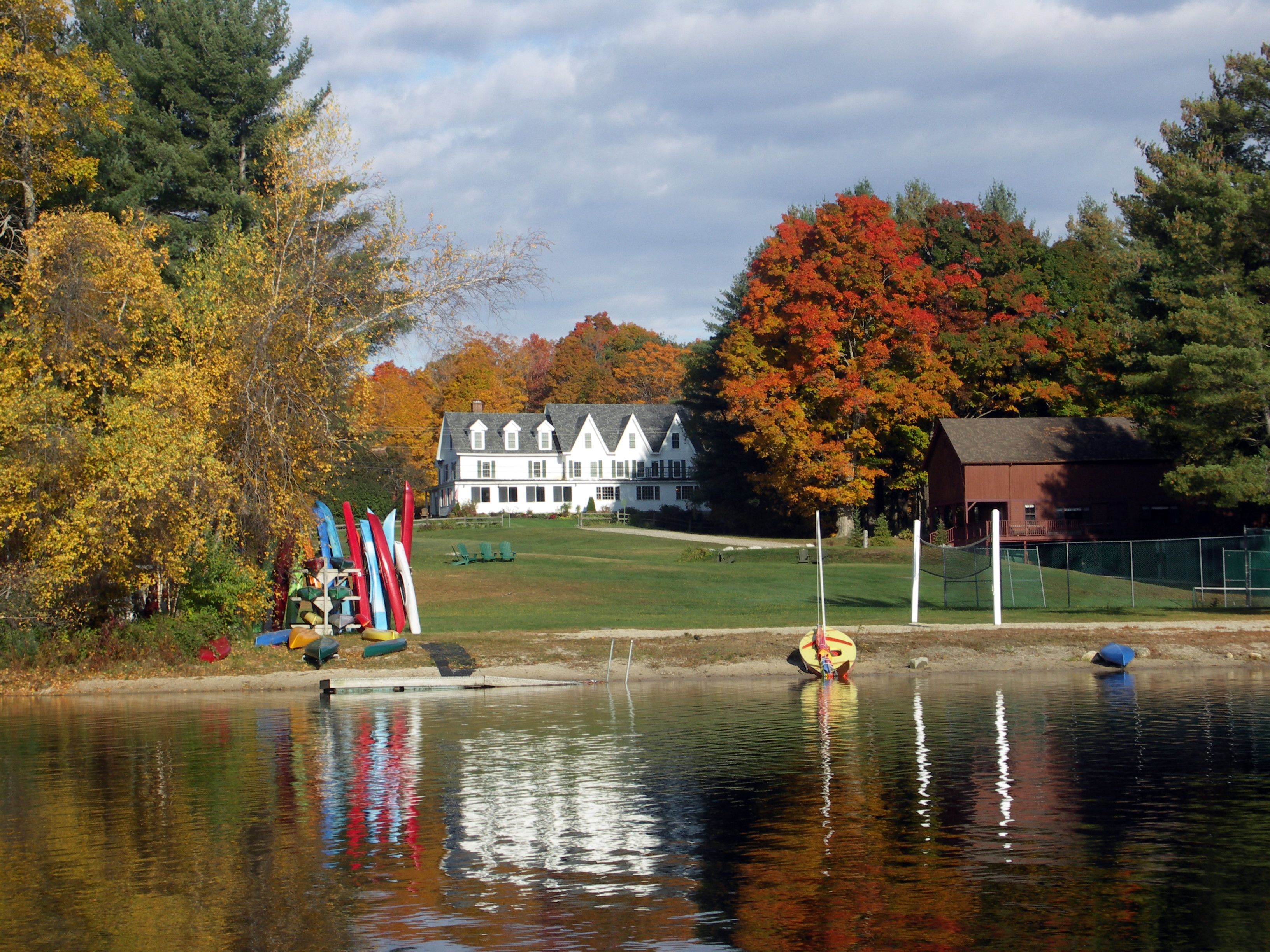The Inn At Pleasant Lake In Fall Located New London Nh Just A Two Hour Drive From Boston