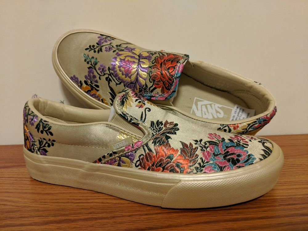 8e09fa1bf58 VANS New Classic Slip-On Festival Satin Vault Lady size USA 7  fashion