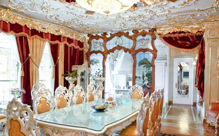 Luxurious Rococo Style Apartment Design Dining Room