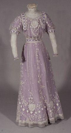 So floofy! c. 1911 lilac silk dress