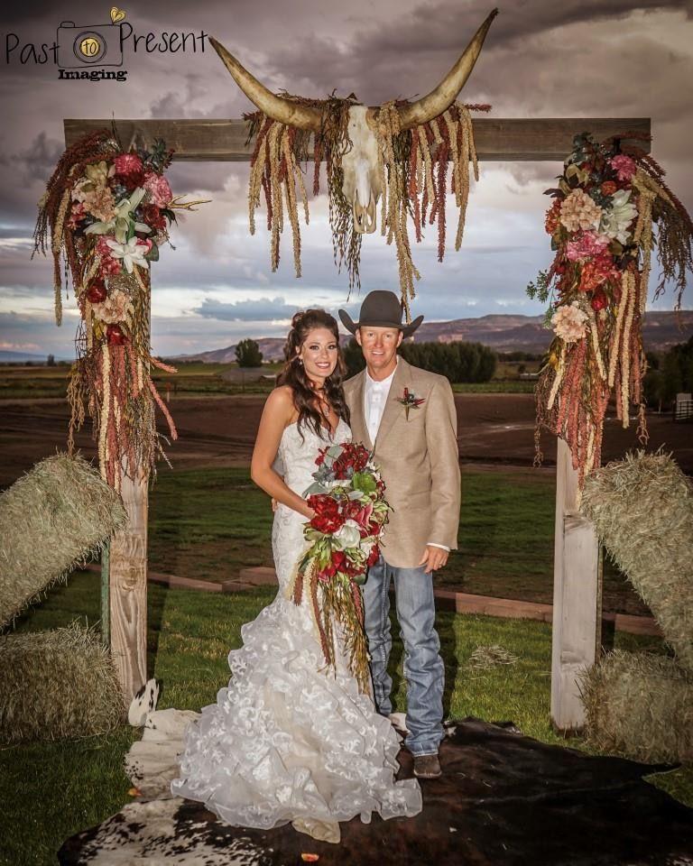 Pin By Lauran Fryery On Western Wedding