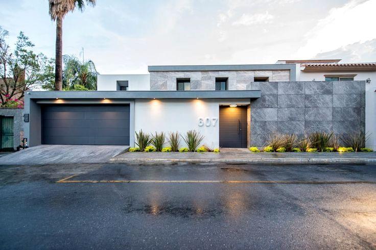 Diseño de una casa de campo sencilla que cuenta con una moderna