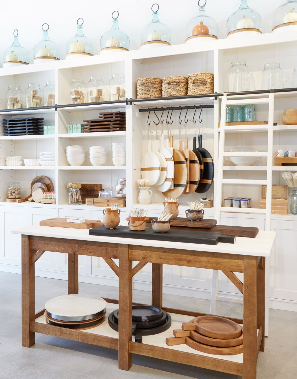 a haven for the entertaining enthusiast etúhome debuts atlanta flagship rue interior design on kitchen interior accessories id=33718