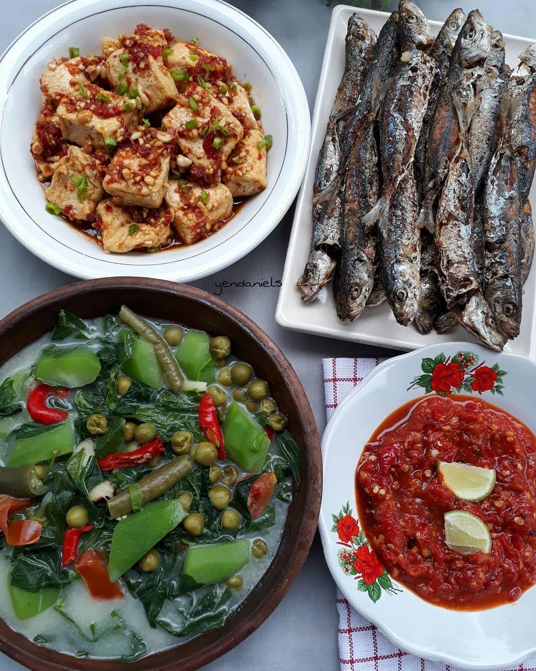 Kamis 11 10 2018 Sayur Basantan Ikan Layang Goreng Tahu Goreng Kecap Sambal Tomat Sayur Basantan Didihkan Santan Serai Resep Masakan Masakan Terong