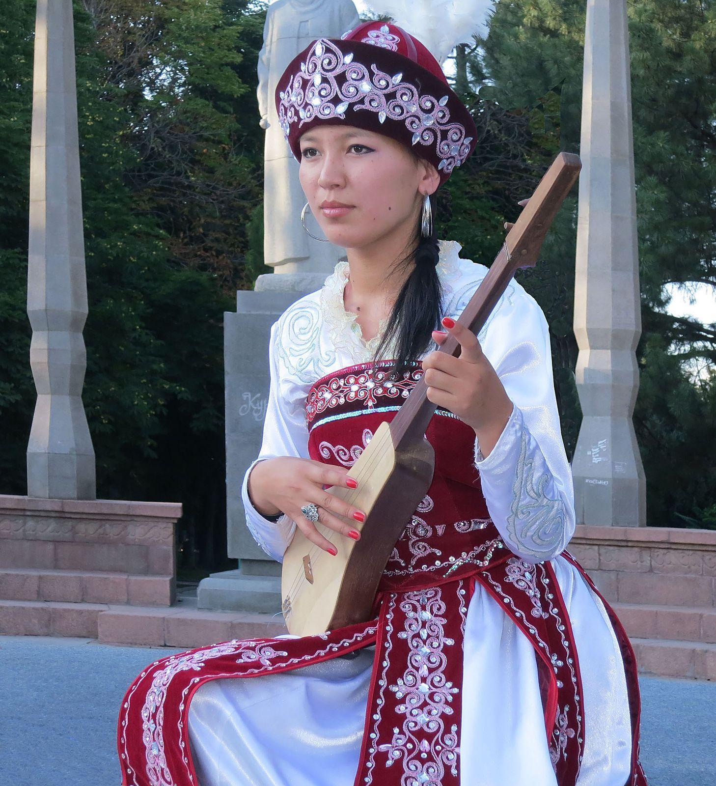 Kyrgyzstan woman. 🏷️ Kyrgyzstan women. 2019-12-17