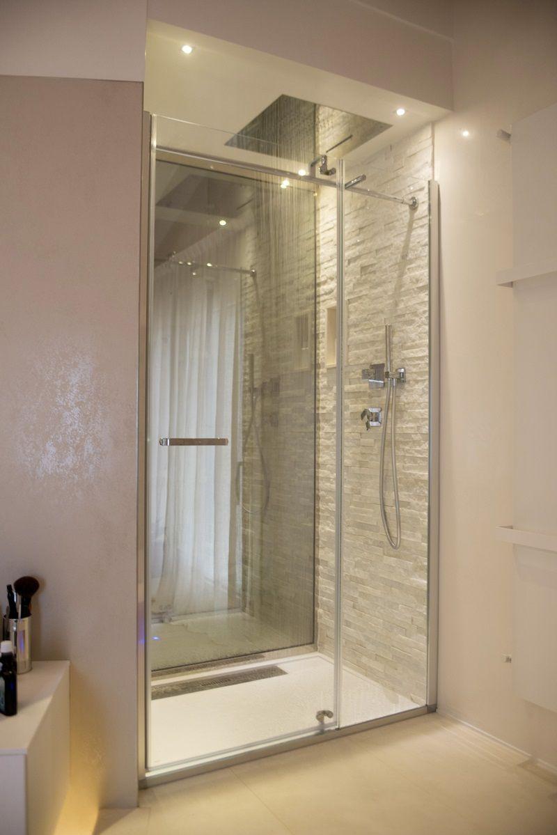 Italian Bathrooms 7 la doccia passante tra bagno e