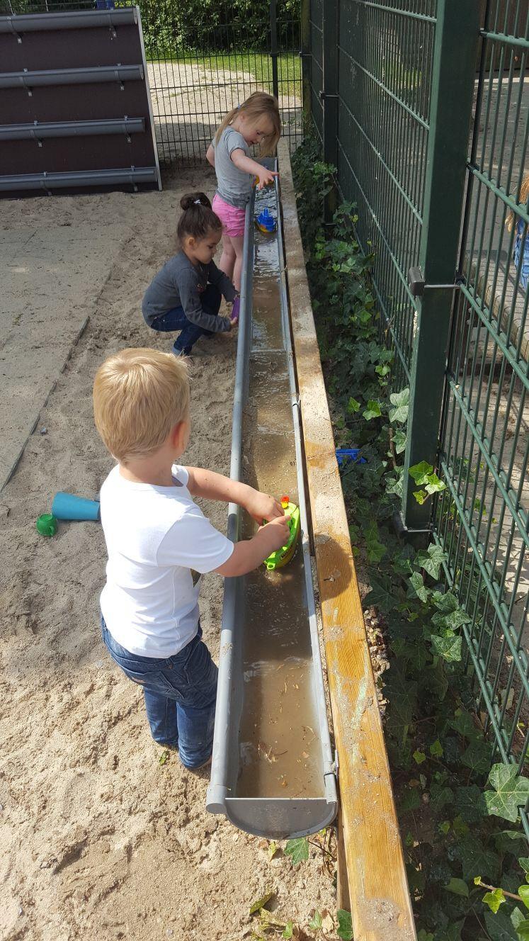 Pin Von Lea Schütz Auf Ikc Groenling Kinderdrome Kinder Spielplatz Garten Kinderspielplatz Garten Kinder Hof